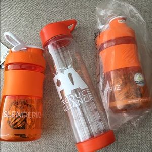 NWOT Fitness SportMixers & Water Infusion Bottle